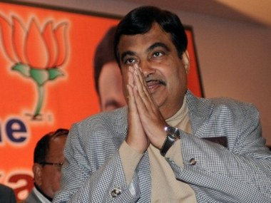Gadkari plans easy pay at 350 toll plazas